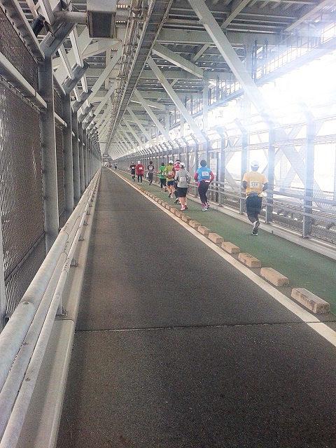 しまなみ海道ウルトラ遠足唯一日陰が出来る2階建ての橋