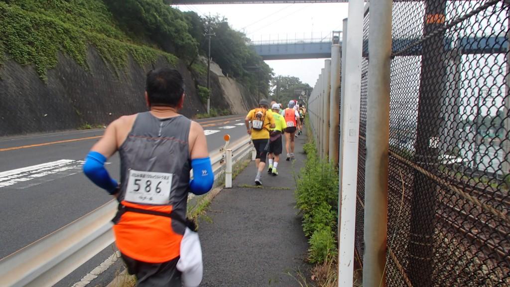 尾道大橋前の上り坂