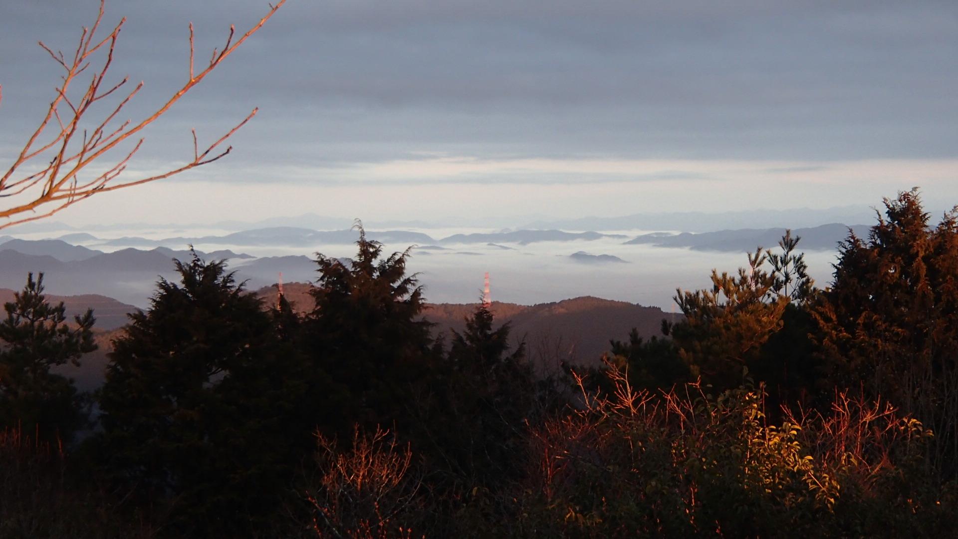ポンポン山から亀岡方面の雲海