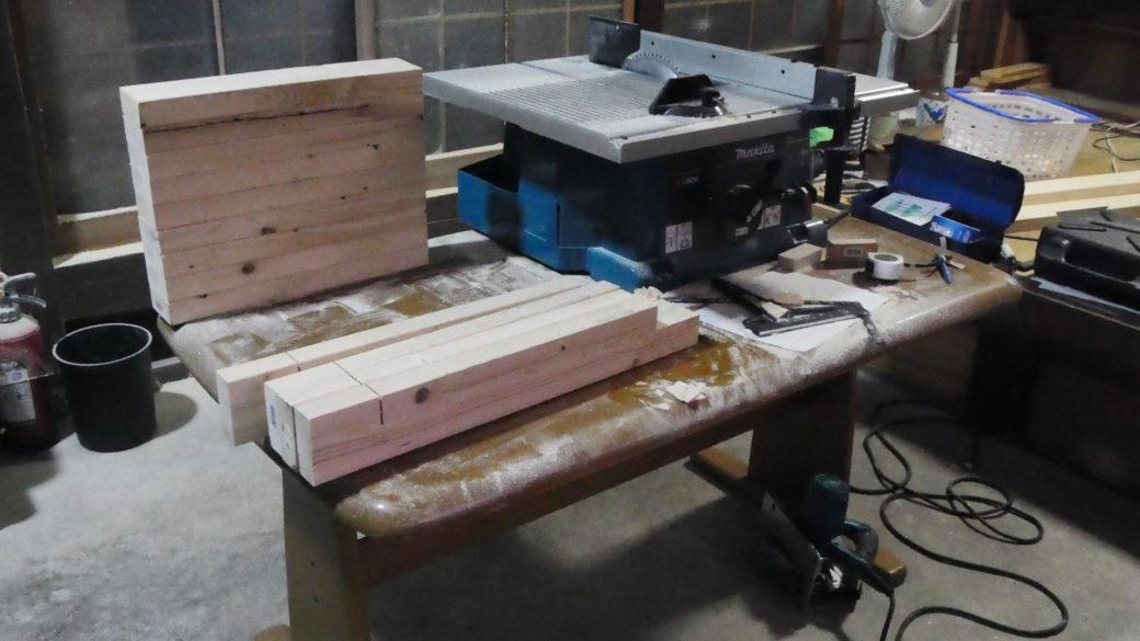 仕事で使う台をDIY